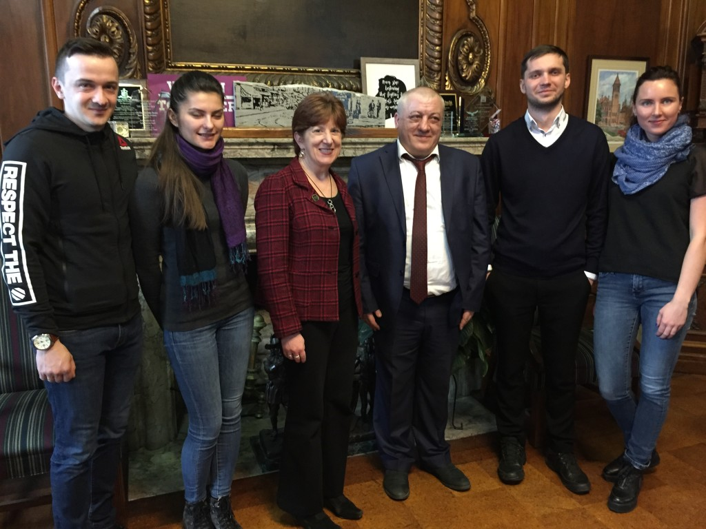 On Day 1, our interns got to sit down with Albany's 75th mayor, Kathy Sheehan. Elected to Mayoral office in 2014, Sheehan understands the economic and cultural value of fostering international relationships like the Albany-Tula Alliance.